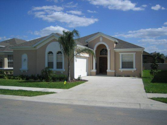 Beautiful 4 bed 3 bath Pool home in gated community